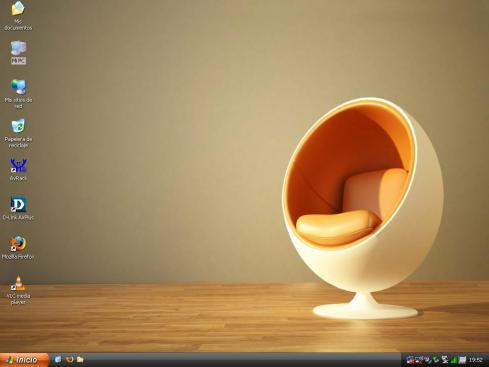 El escritorio del Ultharmovil - 09